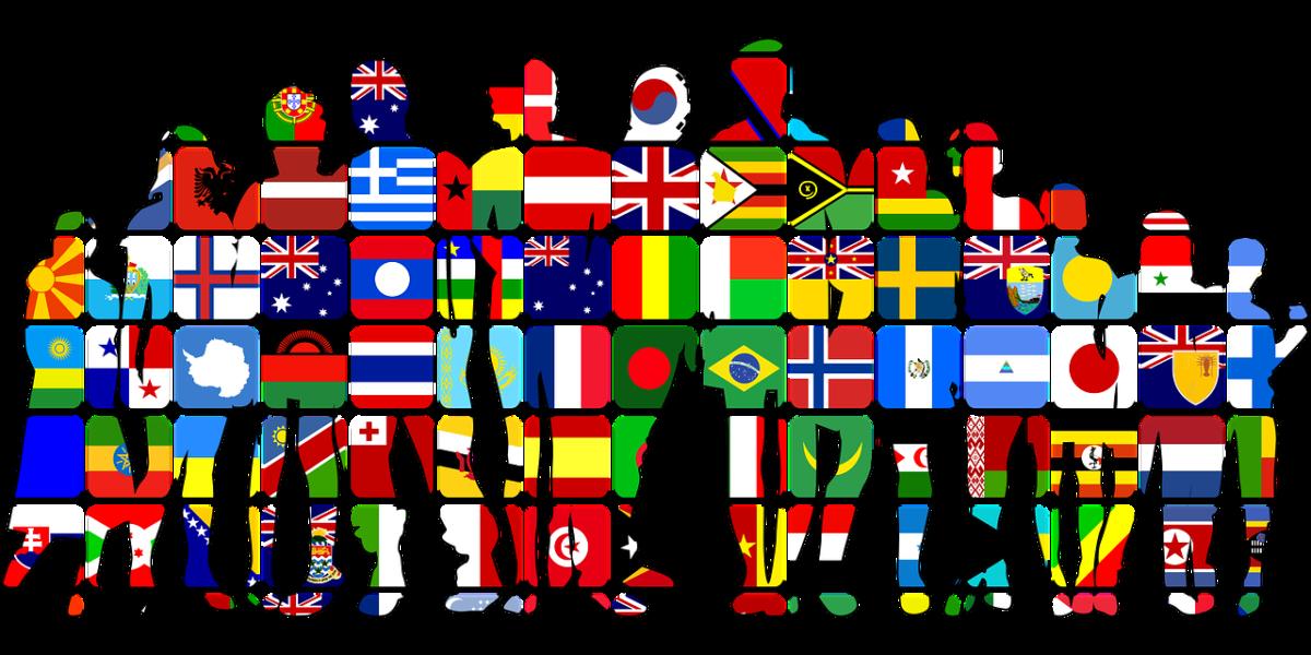 Figura de personas con banderas de los diferentes lugares del mundo